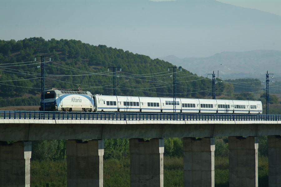 AEC Trenes Talgo pendulares y de alta o muy alta velocidad 03