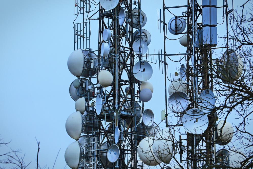 AEC Campos Electromagnéticos Medioambientales y Recomendaciones de la Comunidad Europea